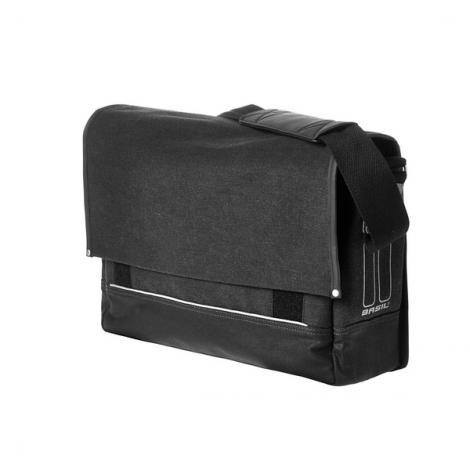 85d772c2382a Basil Urban Fold Messenger Bag fekete csomagtartótáska 2019